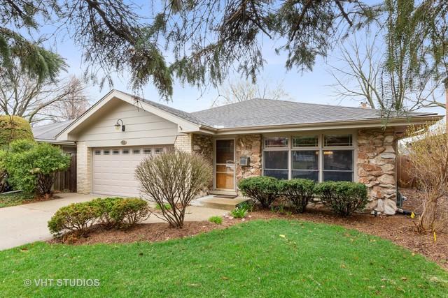 705 S Stone Avenue, La Grange, IL 60525 (MLS #10350687) :: Helen Oliveri Real Estate