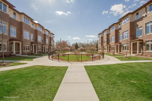 7832 Madison Street #23, River Forest, IL 60305 (MLS #10351298) :: Helen Oliveri Real Estate