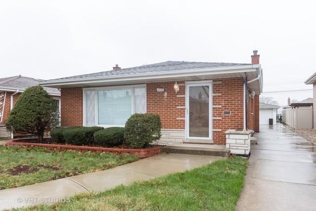 8530 S Kolmar Avenue, Chicago, IL 60652 (MLS #10353561) :: Leigh Marcus | @properties