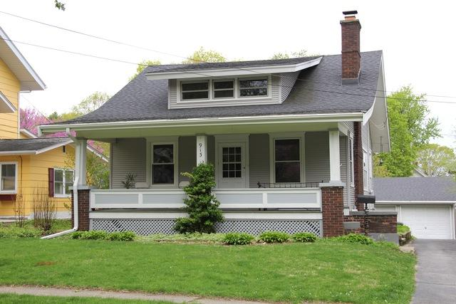 913 Broadway, Normal, IL 61761 (MLS #10355667) :: Berkshire Hathaway HomeServices Snyder Real Estate