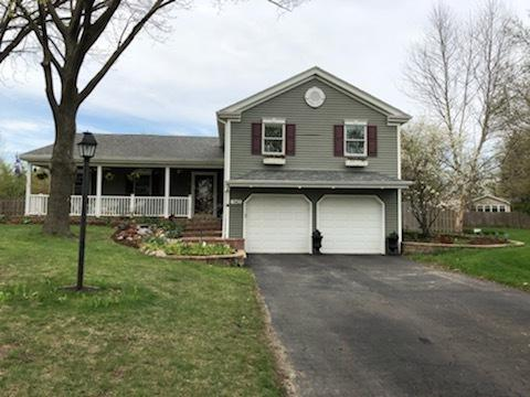 943 Bluestem Lane, Batavia, IL 60510 (MLS #10357292) :: The Perotti Group | Compass Real Estate
