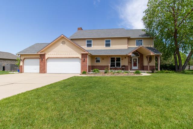 3010 Thornwood Lane, Bloomington, IL 61704 (MLS #10370557) :: BNRealty