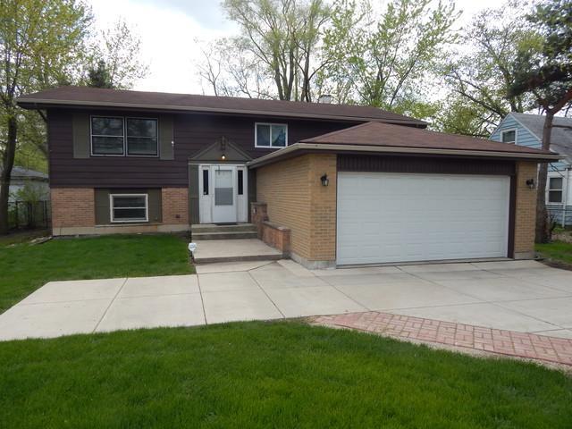 26W461 Geneva Road, Wheaton, IL 60187 (MLS #10375327) :: Berkshire Hathaway HomeServices Snyder Real Estate