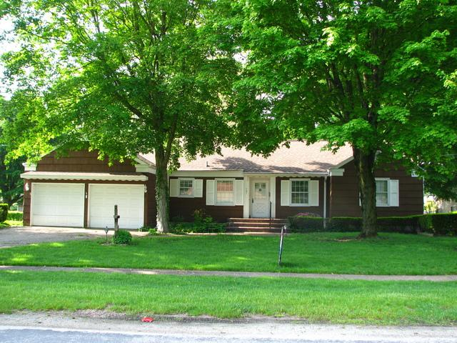 707 E Scott Street, Tuscola, IL 61953 (MLS #10377072) :: Berkshire Hathaway HomeServices Snyder Real Estate