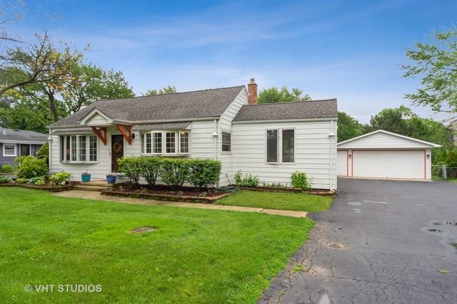 17W161 Leahy Road, Oakbrook Terrace, IL 60181 (MLS #10380955) :: Angela Walker Homes Real Estate Group