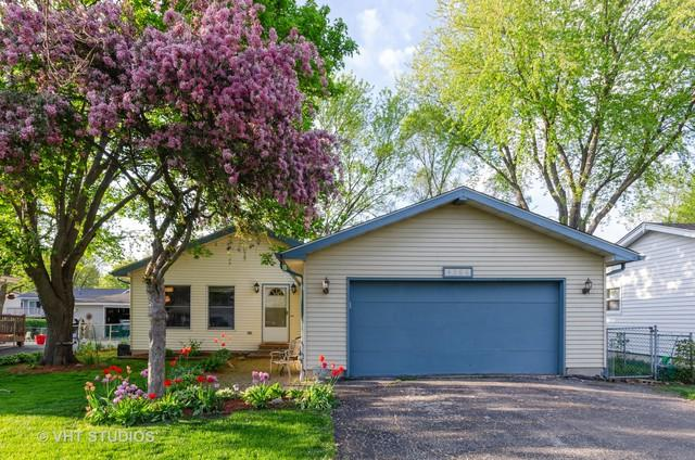 4306 Clearview Drive, Mchenry, IL 60050 (MLS #10384423) :: Lewke Partners