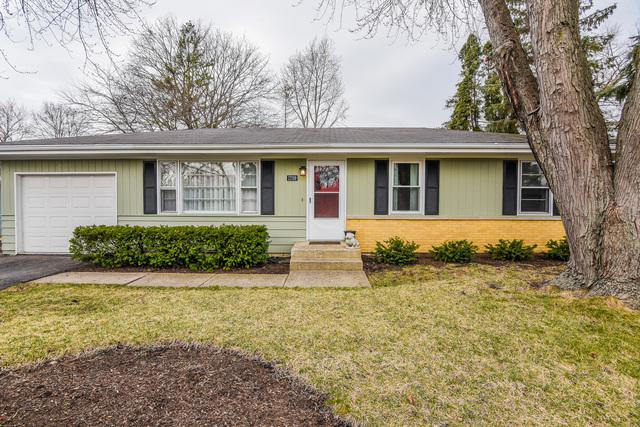 1709 Lucylle Avenue, St. Charles, IL 60174 (MLS #10384490) :: Berkshire Hathaway HomeServices Snyder Real Estate