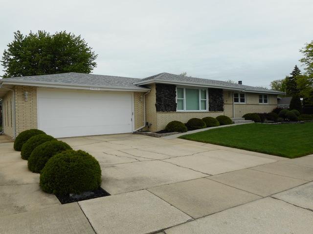 14016 Sheri Lane, Orland Park, IL 60462 (MLS #10385103) :: Ryan Dallas Real Estate