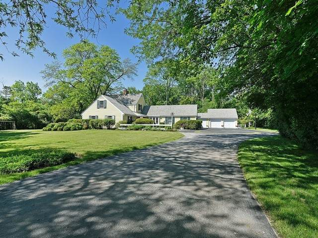 1810 South Lane, Northbrook, IL 60062 (MLS #10386495) :: Helen Oliveri Real Estate