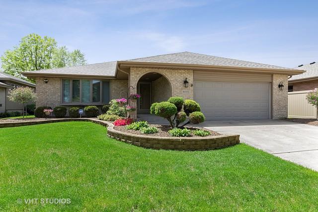 8893 Marshfield Lane, Orland Hills, IL 60487 (MLS #10387419) :: Berkshire Hathaway HomeServices Snyder Real Estate