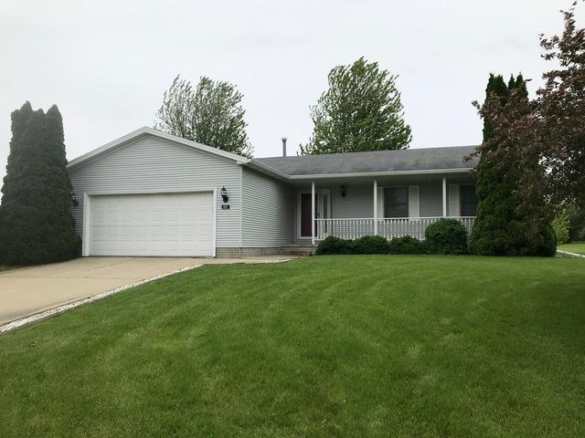 607 E Main Street, Danvers, IL 61732 (MLS #10387646) :: Berkshire Hathaway HomeServices Snyder Real Estate