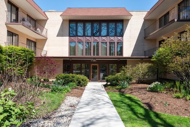 9801 Gross Point Road #317, Skokie, IL 60076 (MLS #10388500) :: Berkshire Hathaway HomeServices Snyder Real Estate
