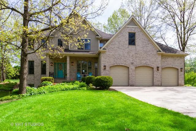 720 Saddle Ridge, Crystal Lake, IL 60012 (MLS #10389805) :: Lewke Partners