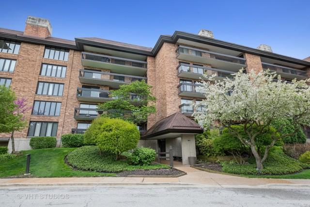 3801 Mission Hills Road #104, Northbrook, IL 60062 (MLS #10390245) :: Berkshire Hathaway HomeServices Snyder Real Estate