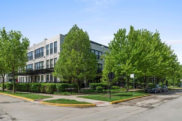 1151 W 14th Place #335, Chicago, IL 60608 (MLS #10390911) :: Berkshire Hathaway HomeServices Snyder Real Estate