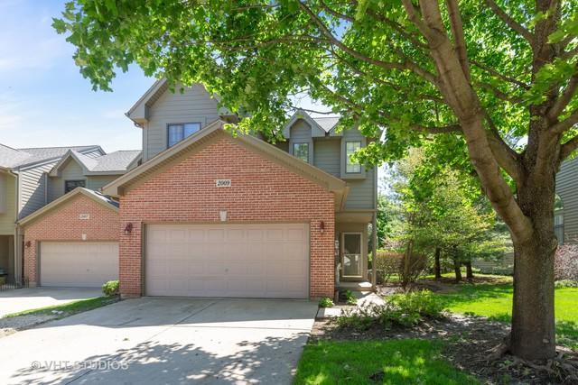 2009 Jeffrey Lane, Elgin, IL 60123 (MLS #10391476) :: Berkshire Hathaway HomeServices Snyder Real Estate