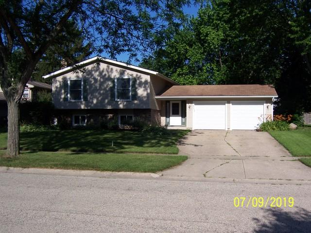 896 Teverton Lane, Crystal Lake, IL 60014 (MLS #10397834) :: The Mattz Mega Group