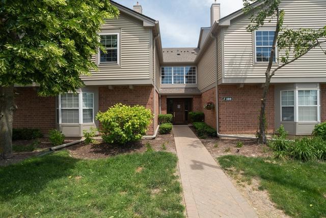 100 White Oak Court #10, Schaumburg, IL 60195 (MLS #10398964) :: Angela Walker Homes Real Estate Group