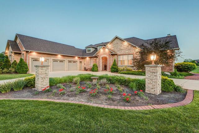 2701 E Plantation, Urbana, IL 61802 (MLS #10406909) :: Ryan Dallas Real Estate