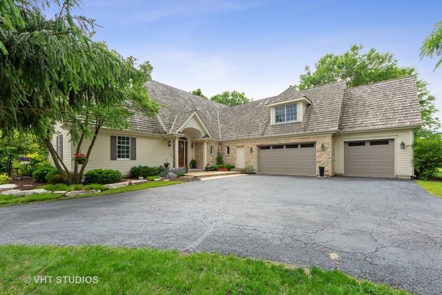 26026 N Middleton Parkway, Mundelein, IL 60060 (MLS #10410503) :: BNRealty