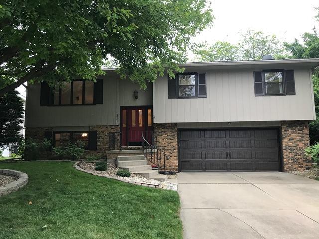2901 Mockingbird Lane, Bloomington, IL 61704 (MLS #10417900) :: The Perotti Group | Compass Real Estate