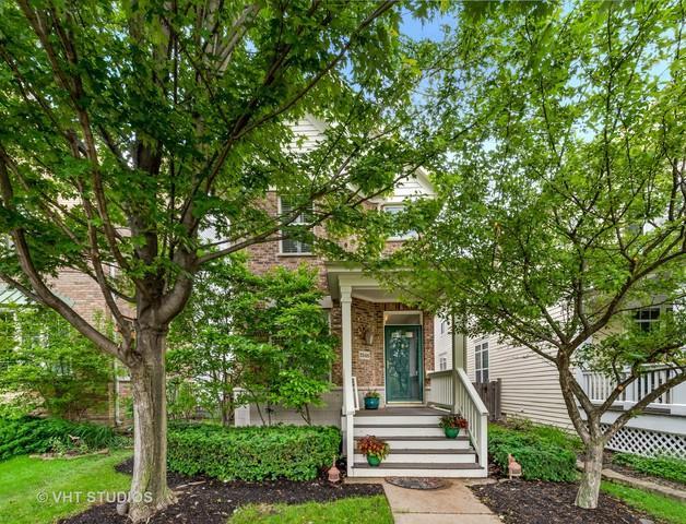2548 Violet Street, Glenview, IL 60026 (MLS #10421523) :: Helen Oliveri Real Estate