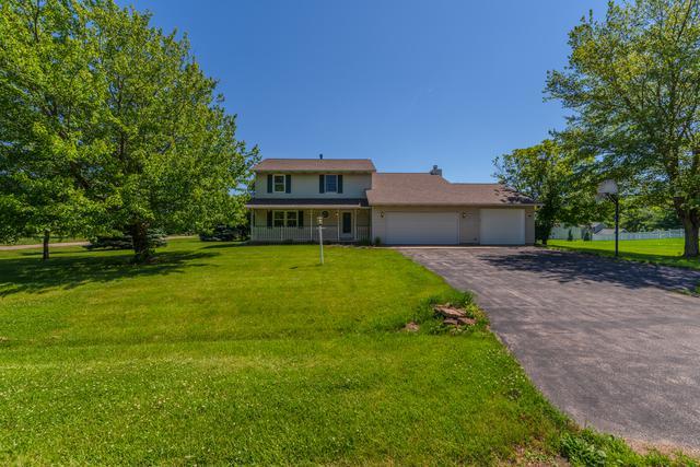 19417 Lakewood Drive, Bloomington, IL 61705 (MLS #10426870) :: BNRealty