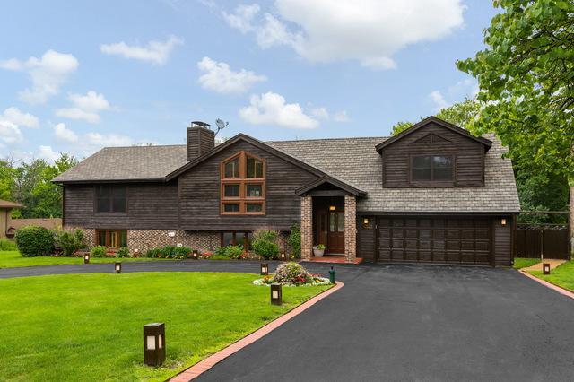 7N343 Linden Avenue, Medinah, IL 60157 (MLS #10426895) :: Ani Real Estate