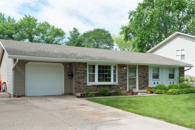621 W Weathersfield Way, Schaumburg, IL 60193 (MLS #10434433) :: Berkshire Hathaway HomeServices Snyder Real Estate