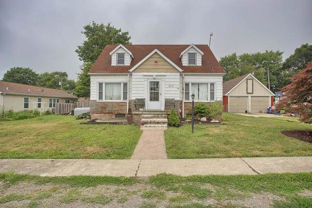 210 W Carper Street, SEYMOUR, IL 61875 (MLS #10438720) :: Berkshire Hathaway HomeServices Snyder Real Estate