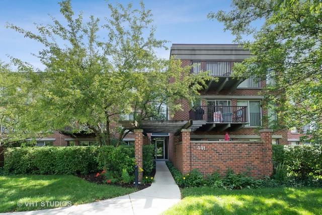 441 Kelburn Road #316, Deerfield, IL 60015 (MLS #10440355) :: Berkshire Hathaway HomeServices Snyder Real Estate