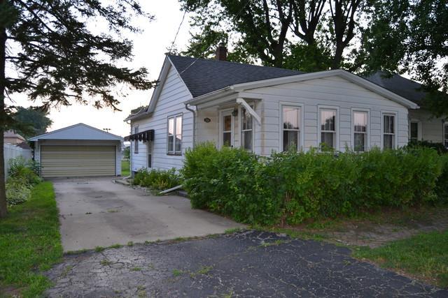 504 N Jefferson Street, Streator, IL 61364 (MLS #10441727) :: Berkshire Hathaway HomeServices Snyder Real Estate