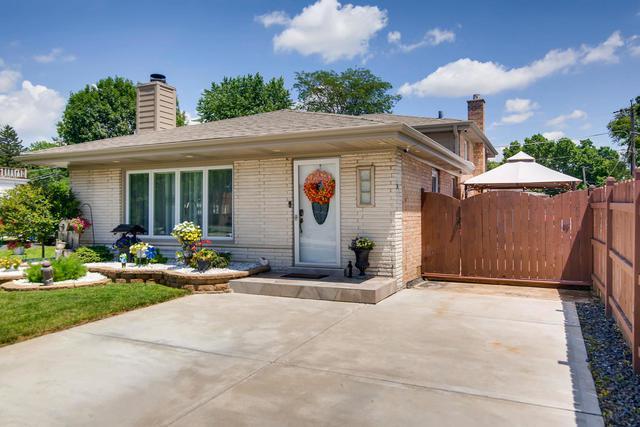 8639 Long Avenue, Burbank, IL 60459 (MLS #10444063) :: Baz Realty Network | Keller Williams Elite