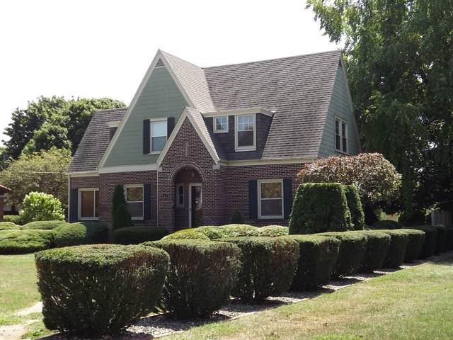 512 E 2nd Street, Gilman, IL 60938 (MLS #10445501) :: Littlefield Group