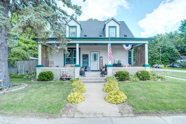201 N Willis Street, HEYWORTH, IL 61745 (MLS #10448103) :: Berkshire Hathaway HomeServices Snyder Real Estate