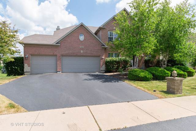 26828 Ashgate Crossing, Plainfield, IL 60585 (MLS #10449996) :: Berkshire Hathaway HomeServices Snyder Real Estate