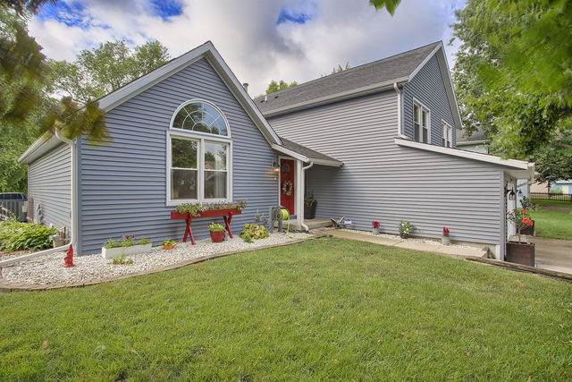 2511 Southwood Drive, Champaign, IL 61821 (MLS #10451873) :: Berkshire Hathaway HomeServices Snyder Real Estate