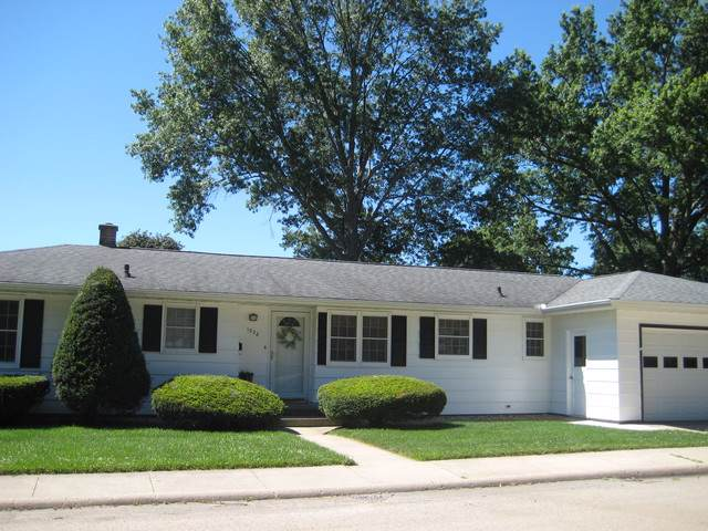 1328 9th Avenue, Fulton, IL 61252 (MLS #10454223) :: Berkshire Hathaway HomeServices Snyder Real Estate