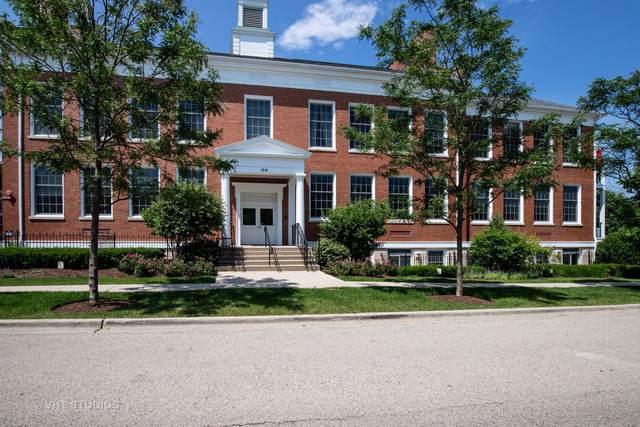 154 School Street T6, Libertyville, IL 60048 (MLS #10454586) :: Helen Oliveri Real Estate