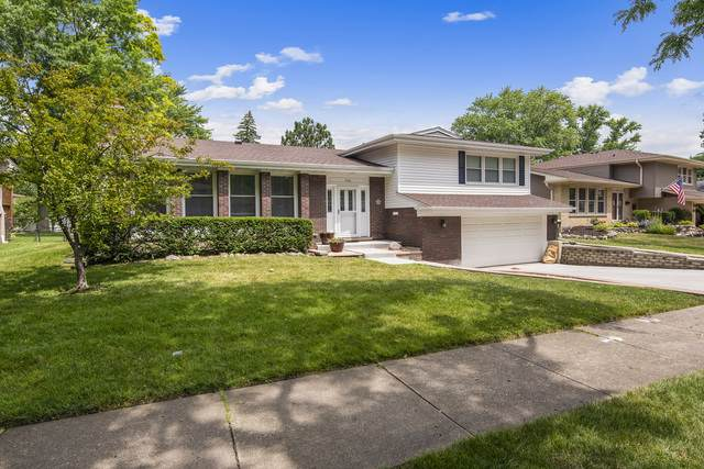 706 E Crestwood Drive, Arlington Heights, IL 60004 (MLS #10457731) :: Century 21 Affiliated