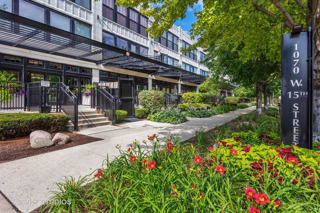 1070 W 15TH Street #308, Chicago, IL 60608 (MLS #10458187) :: Berkshire Hathaway HomeServices Snyder Real Estate