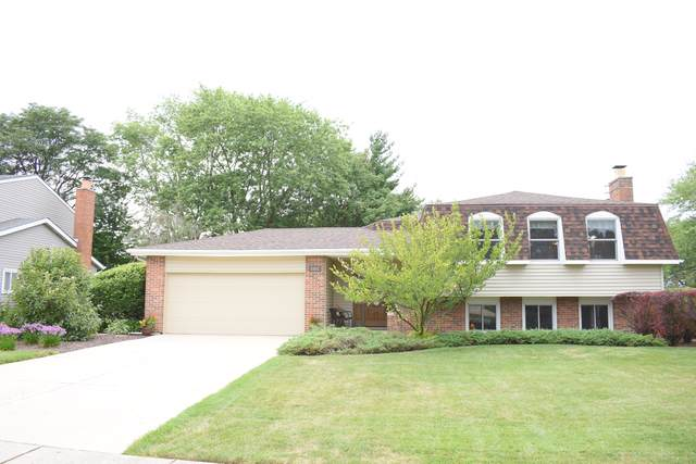 1582 Briarcliffe Boulevard, Wheaton, IL 60189 (MLS #10458861) :: Angela Walker Homes Real Estate Group