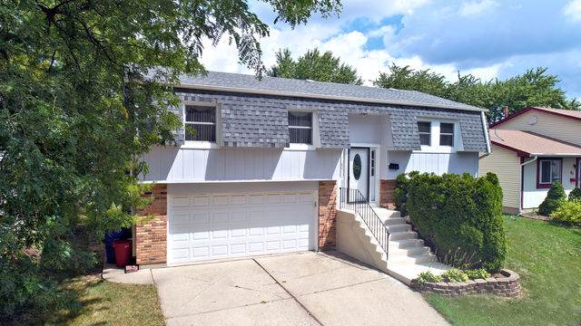84 W Nevada Avenue, Glendale Heights, IL 60139 (MLS #10462723) :: Berkshire Hathaway HomeServices Snyder Real Estate