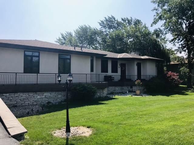 1S701 Eisenhower Road, Oakbrook Terrace, IL 60181 (MLS #10465790) :: Angela Walker Homes Real Estate Group