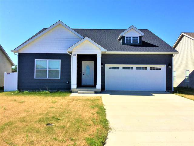 913 E Barker Street, Tuscola, IL 61953 (MLS #10468218) :: Berkshire Hathaway HomeServices Snyder Real Estate