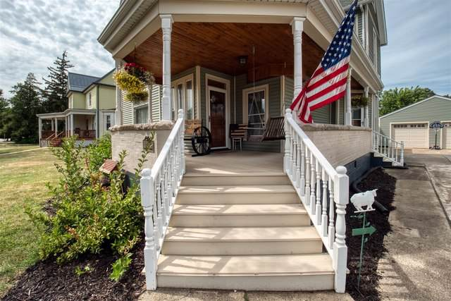 415 W Main Street, CLINTON, IL 61727 (MLS #10477090) :: Berkshire Hathaway HomeServices Snyder Real Estate