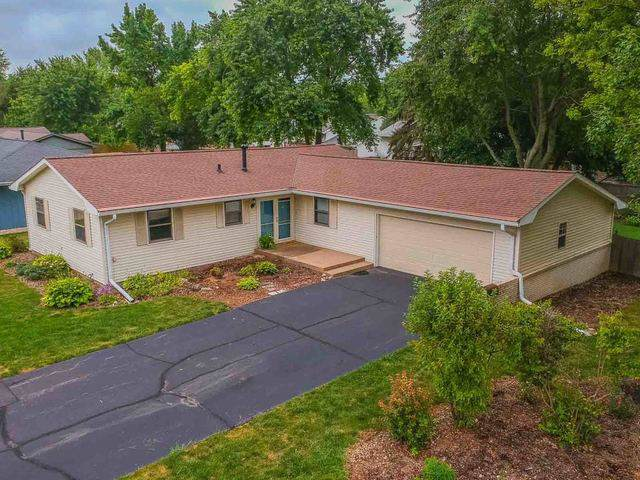 201 Cambridge Drive, Normal, IL 61761 (MLS #10484426) :: Berkshire Hathaway HomeServices Snyder Real Estate