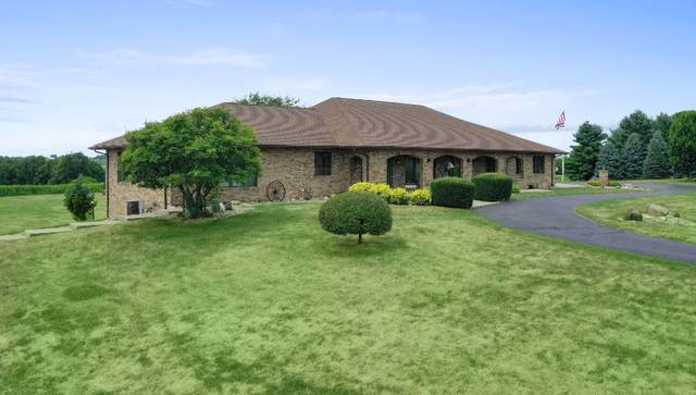 2765 W Pines Road, Oregon, IL 61061 (MLS #10484441) :: Berkshire Hathaway HomeServices Snyder Real Estate