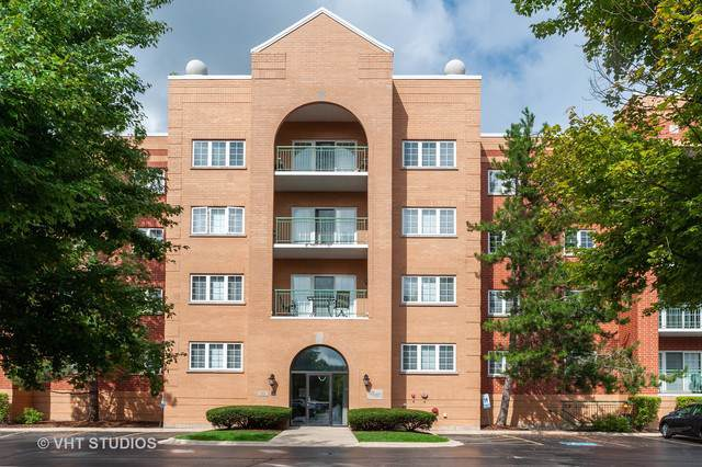 55 S Hale Street #102, Palatine, IL 60067 (MLS #10487314) :: The Wexler Group at Keller Williams Preferred Realty