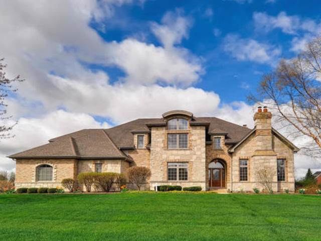 3N874 John Greenleaf Whittier Place, St. Charles, IL 60175 (MLS #10488711) :: Berkshire Hathaway HomeServices Snyder Real Estate